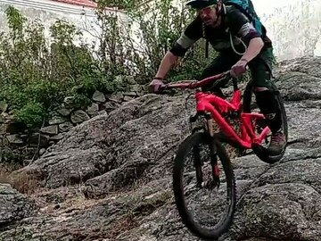 Experience (price per person): MTB - Enduro guide and instructors