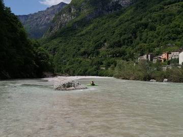Experience (price per person): Among the rapids of the Piave River