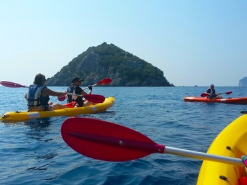 Entdeckung (preis pro person): Kayaking at the Bergeggi Island