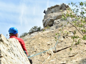 Experience (price per person): Introductory course to rock climbing in Centelles