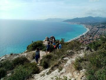 Experience (price per person): Hiking Tour in Finale Ligure