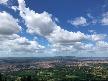 Experience (price per person): hike and wine, best view of Florence