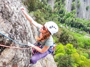 Adventure (price per group): Escalade sur une falaise en Valais