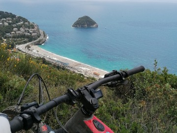 Experience (price per person): E mtb family tour