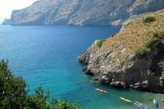 Experience (price per person): Giornata in kayak nella Baia di Ieranto (NA)