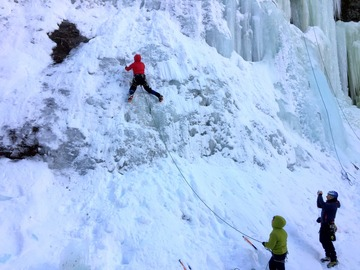 Adventure (price per person): Ice climbing course- Dolomites