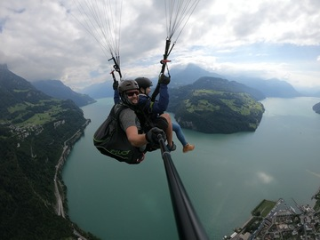 Entdeckung (preis pro person): Paragliding in Brunnen (Experience)