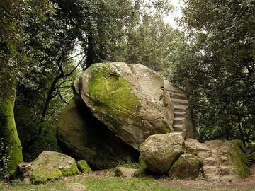 Esperienza (prezzo a persona): Escursione: la necropoli etrusca di Pietramarina, Carmignano (PO)