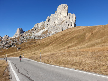 Experience (price per person): Bike Tour Guidati nelle Dolomiti