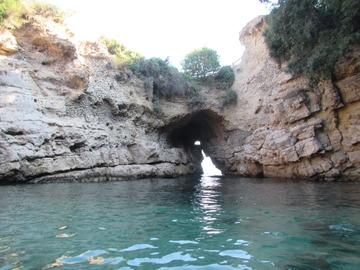 Experience (price per person): Giornata in kayak alle Grotte di Tufo (NA)
