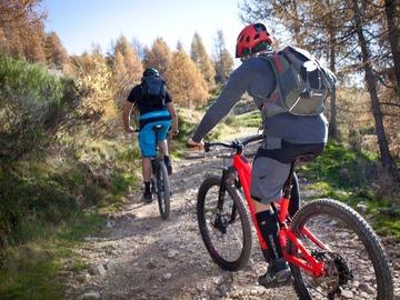 Esperienza (prezzo per gruppo): Bike tour Val Varrone - lago di Como